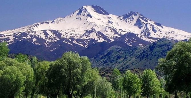 Erciyes Zirve Tırmanışı yapan kadın dağcı öldü