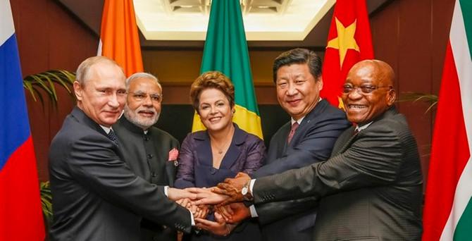 BRICS Bankası ilk kredisini yuan olarak veriyor