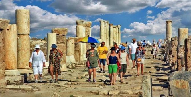 Antik Kente turist akını