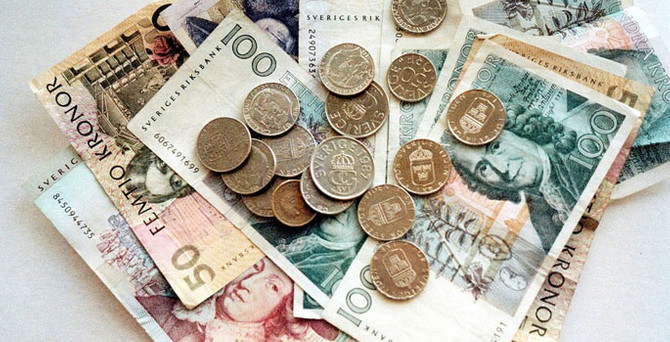 İsveç, paralarını değiştiriyor