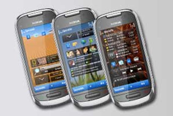 Nokia C7 tasarımıyla dikkat çekiyor