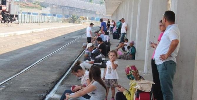 Aşırı sıcaklar tren seferlerini de etkiledi