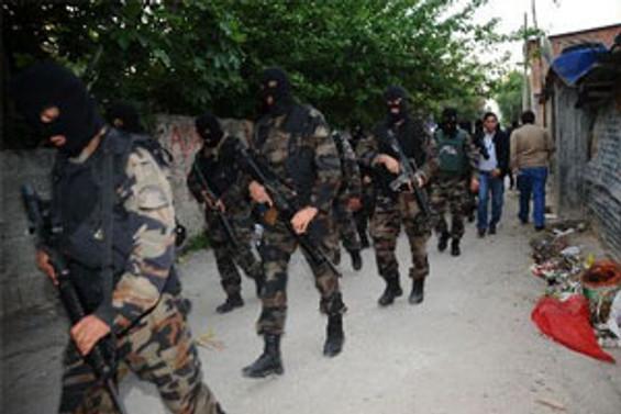 Sultangazi'ye 'Şafak operasyonu'