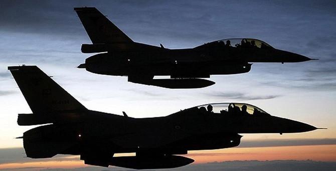 Yunan jetlerinden Türk F-16'larına taciz
