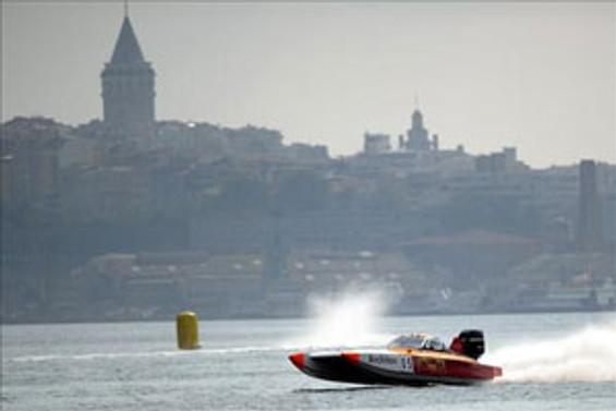 Haliç'te yapılacak offshore yarışı için geri sayım başladı