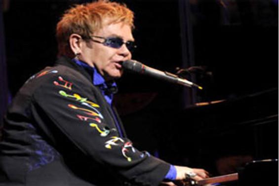 Elton John, 10 yıl sonra tekrar Türkiye'ye geliyor