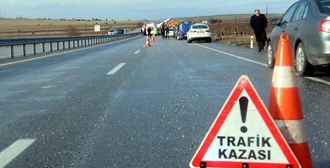 Minibüs devrildi: 21 yaralı