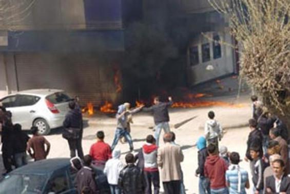 Van'daki protesto eylemine 19 tutuklama