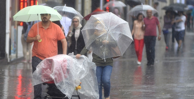 Sağanak yağış etkisini sürdürecek