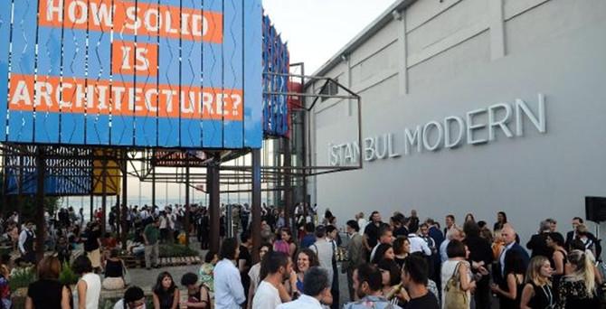 İstanbul'da bienal heyecanı