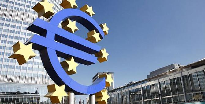 ECB: Riskler aşağı yönlü