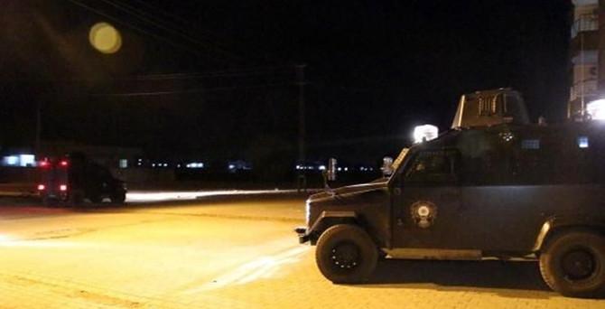Hendek kapatan polise saldırı: 1 yaralı