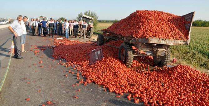 Bursa'da tır ile traktör çarpıştı: 1 ölü