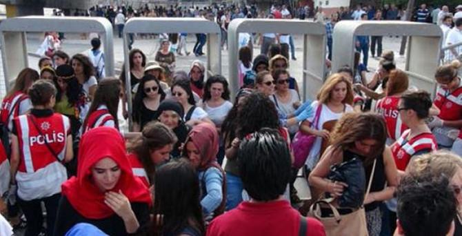 """Ankara'da """"barış mitingi"""" başlamadan bitti"""