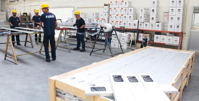 Zahit Alüminyum, 65 bin adet akıllı tahta konstrüksiyonu üretecek