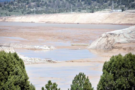 Siyanür barajında çökme