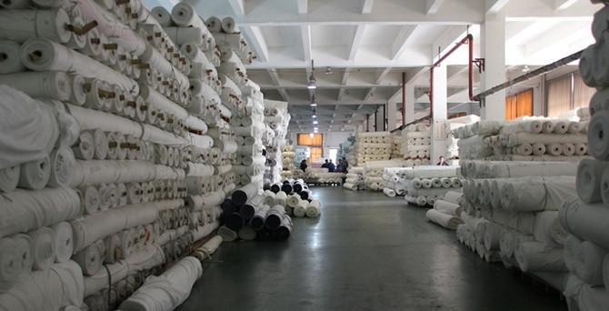 Gümrükte 'kaçak tekstil' operasyonu
