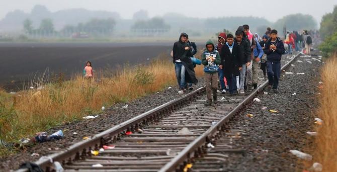 Doğu Avrupa kapılarını açmamakta direniyor