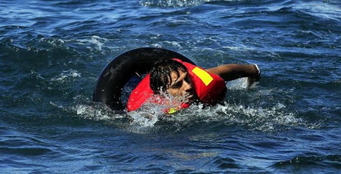 Ege'de kaçakları taşıyan tekne battı