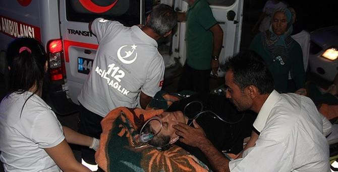 Otobüs virajı alamadı: 19 yaralı
