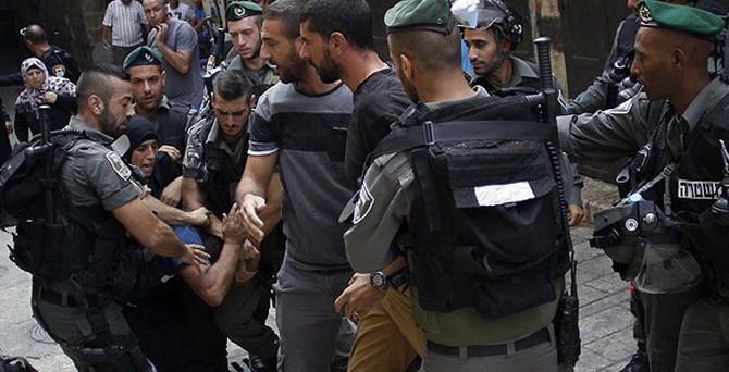 İsrail askerleri cemaate saldırdı