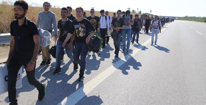Suriyeli göçmenler Edirne'ye akın etti
