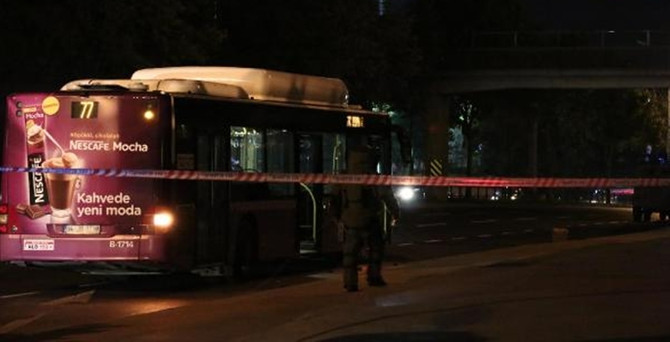 Beyoğlu'da otobüse molotoflu saldırı