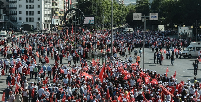 Onbinler Ankara'da teröre 'hayır' kardeşliği 'evet' dedi