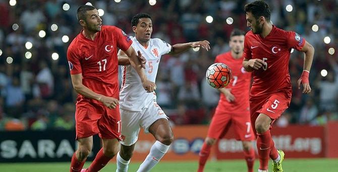 Türkiye-İzlanda maçı biletleri satışta