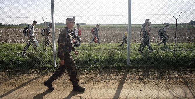 Sığınmacılara müdahale izni verildi