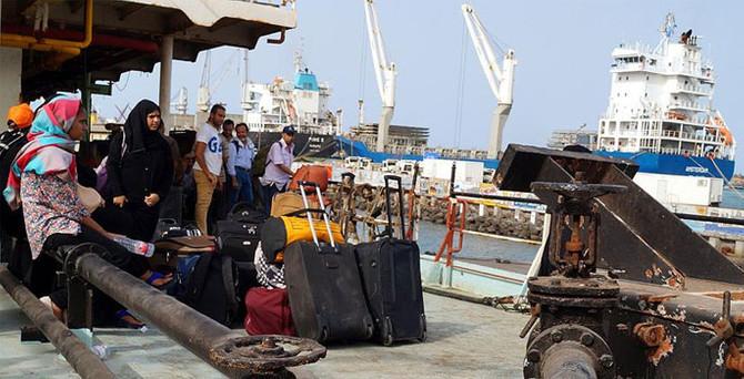Yemen'de bir gemi  50 yolcusuyla kayboldu
