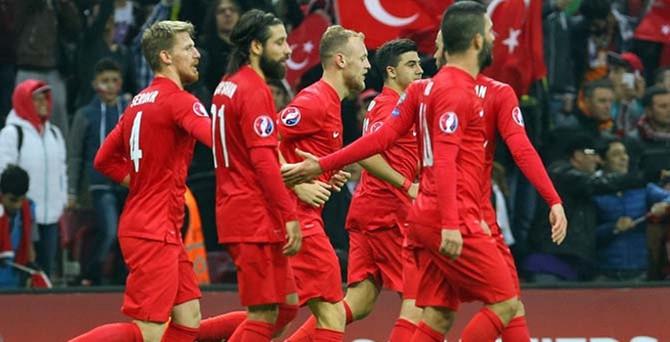 Çek Cumhuriyeti-Türkiye maçının biletleri tükendi