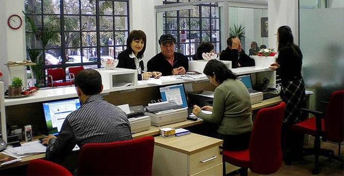 Bankalarda kadınlar çalışıyor erkekler yönetiyor