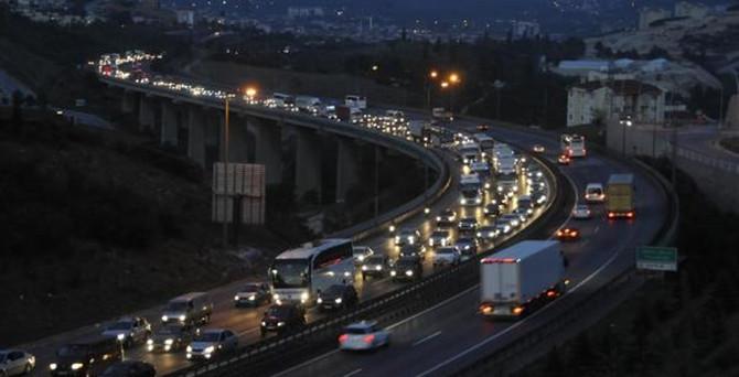 Bayram dönüşü trafik çilesi