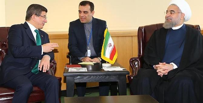 Davutoğlu, Ruhani ile bir araya geldi