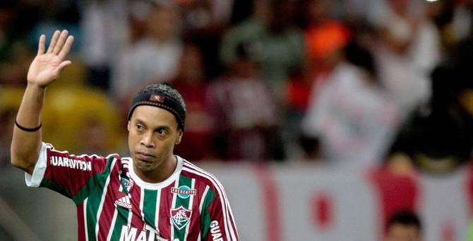 Ronaldinho, kulüpsüz kaldı