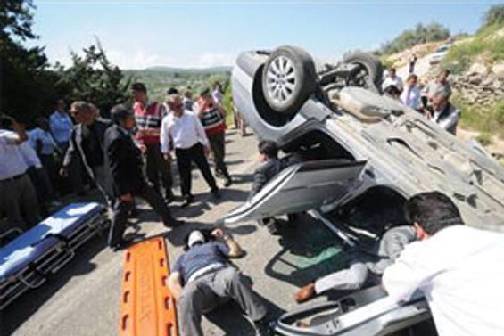 Çağlayan'ın konvoyunda kaza