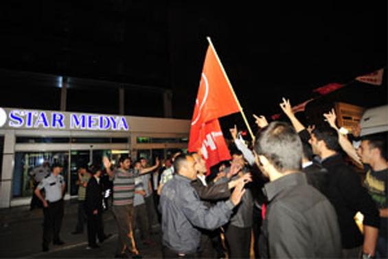 MHP'li gruptan Star Gazetesi'ne protesto