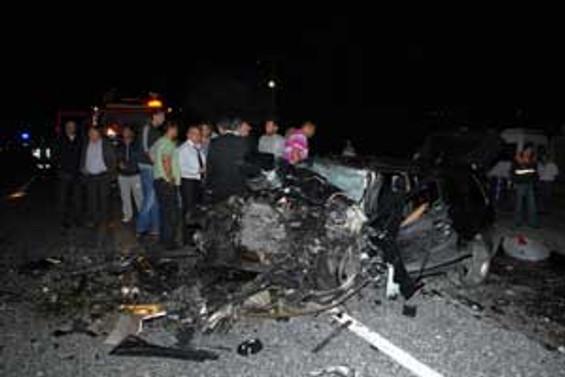 Miting dönüşü kaza: 2 polis şehit
