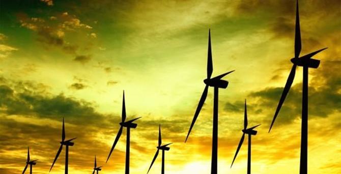 Türkiye 'rüzgarda' hız kesmedi