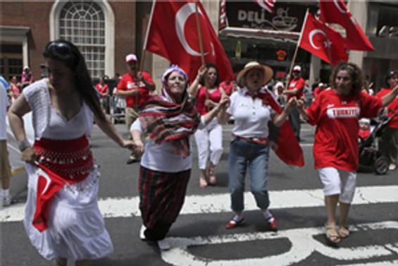 Türkler, New York'ta coştu