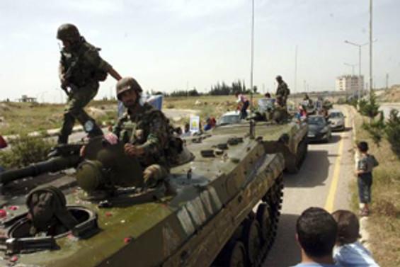 Tanklarla isyan merkezlerine baskın
