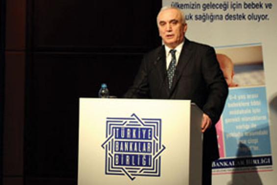 Kıbrıslı bankacılara eğitim verecek