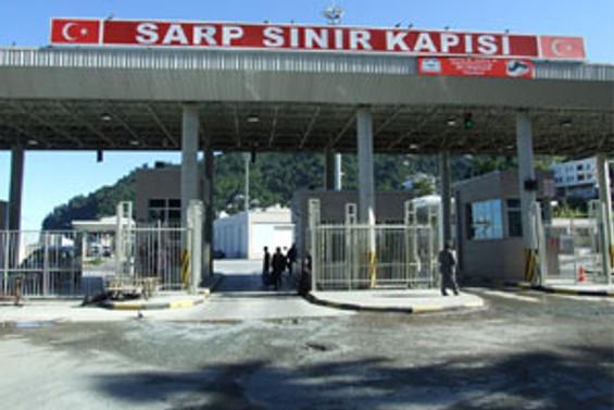 Sarp ve Sarpi sınır kapılarında pasaportsuz geçiş başladı