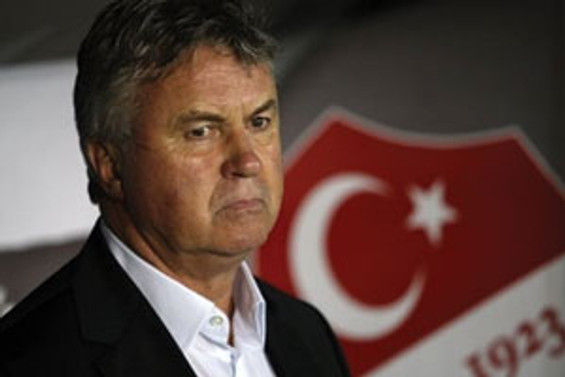 Hiddink, Abramovich'e 15 milyon sterline mal olacak