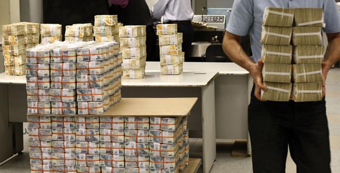 Hazine 881,6 milyon lira borçlandı