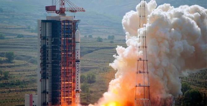 Çin uydu fırlattı