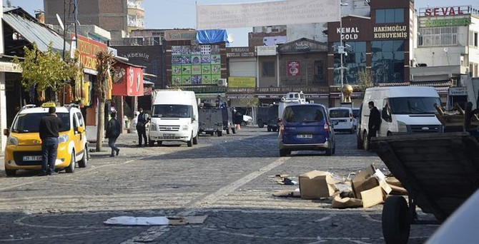 Çatışma sonrası sokağa çıkma yasağı!