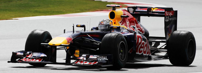 Malezya'da sevinen Vettel oldu