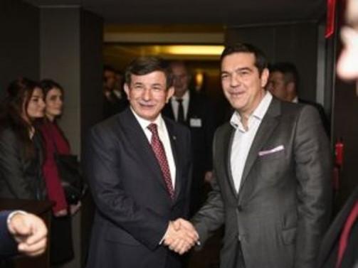 Davutoğlu, Brüksel'de Çipras ile görüştü